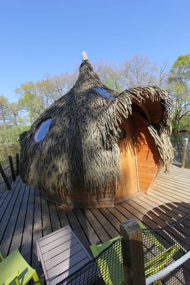 cabane sur l 39 eau en duo trio h bergement insolite en bretagne les ormes. Black Bedroom Furniture Sets. Home Design Ideas